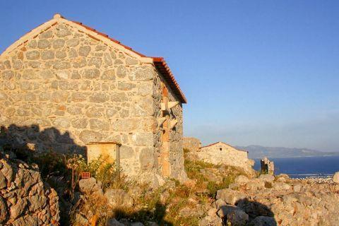Pothia Town: Stone built construction