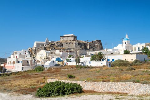 Whitewashed, Cycladic buildings