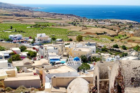 Panoramic view of Akrotiri village from the Venetian Castle