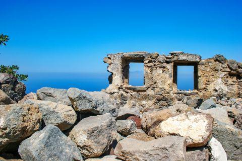 Emporios: Ruins in Emporios village.