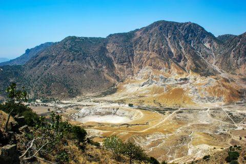 Nikia: View of the volcano.