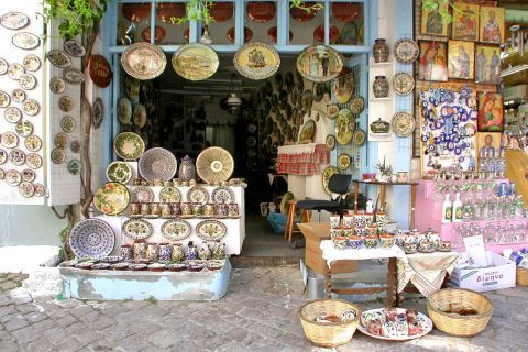 Agiassos: The village preserves its customs and traditions.