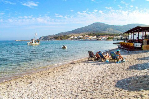 Heraion: The area around the bay is quite developed with many fishing taverns and cafes.