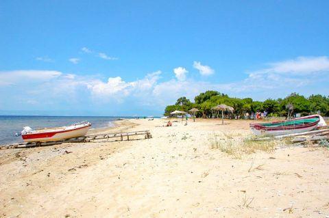 Skala Prinos: Sandy beach.