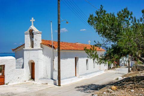 Megalochori: Agios Georgios church.