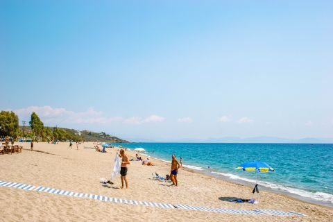 Mavrovouni beach: Mavrovouni beach has been awarded the Blue Flag award for its clean waters.