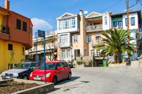 Old Town Ano Poli: Neoclassical buildings on Vassilis Tsitsanis square.