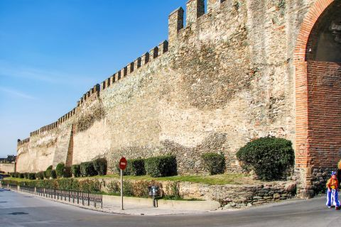 Old Town Ano Poli: The Castle of Thessaloniki, also known as Yedi Kule or Heptapyrgion.
