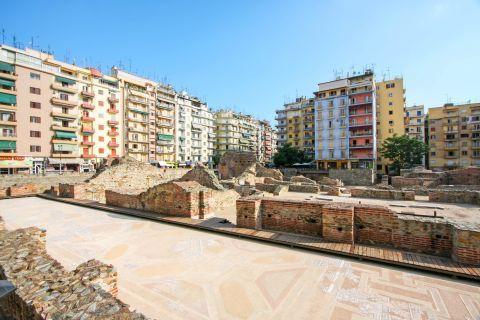 Egnatia: The archaeological site of the Galerian Complex on Navarinou Square.