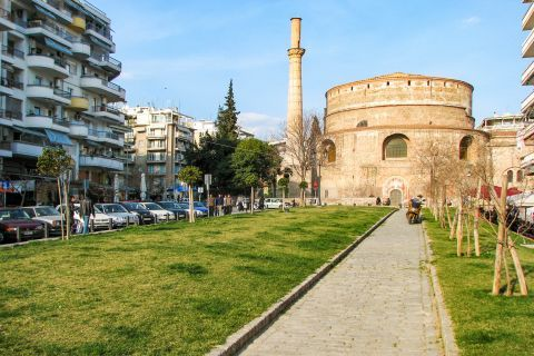 Rotonda: This cylindrical structure was built in 306 AD by the Roman tetrarch Galerius, who intended that this building would be his grave.