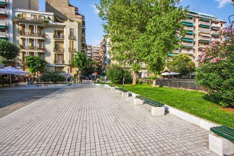 Navarino Square: Many cafeterias and creperies are located around this paved square.