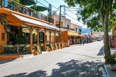 Agia Marina: Cafes and souvenir shops.