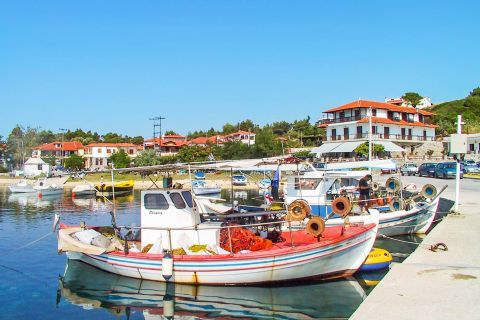 Ormos Panagias: Ormos Panagias has a lovely port, filled with fishing boats and yachts.