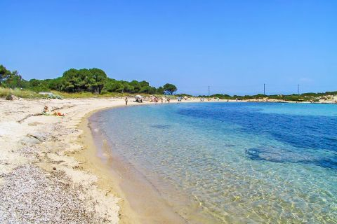 Karydi: Crystal clear waters and nice natural surroundings.