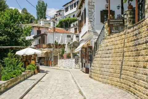 Makrinitsa: Accommodation and shops in Makrinitsa village.
