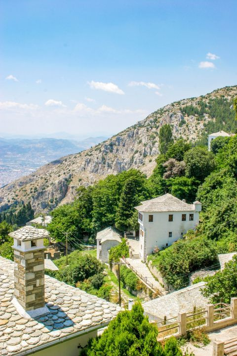 Makrinitsa: The village of Makrinista is a pure jewel hanging on the side of the amazingly green mountain.