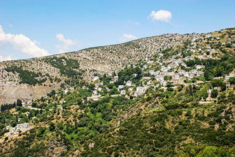 Makrinitsa: A mountainous settlement