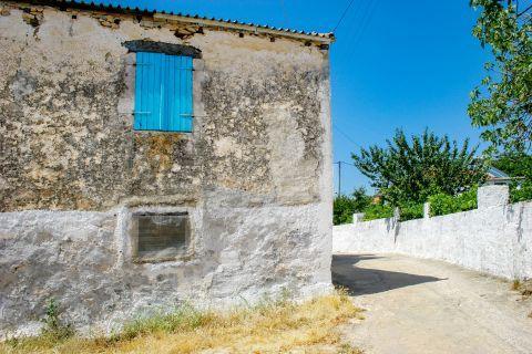 Agios Leon: An old building.