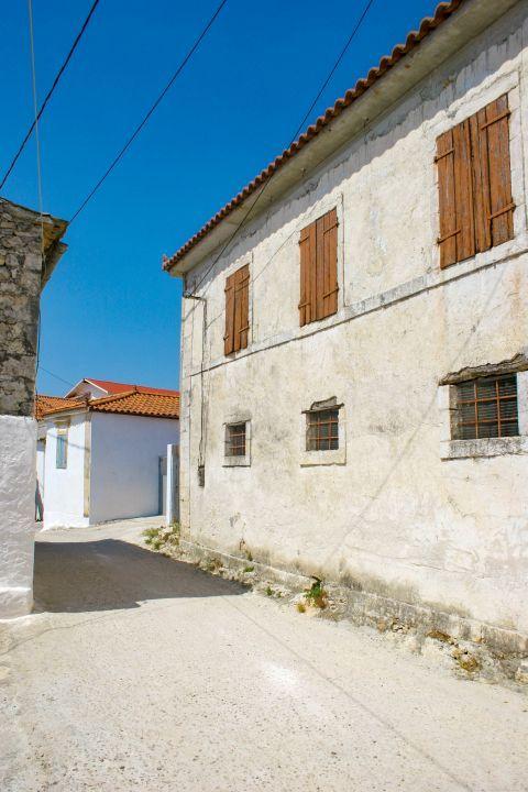 Agios Leon: A two-floored building.