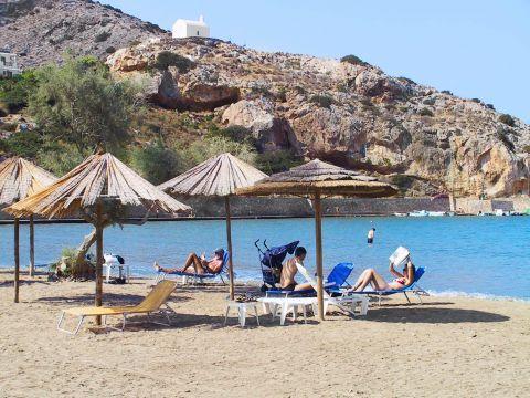 Galissas: Umbrellas and sun loungers