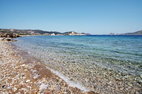 Fatourena: Pebbles and crystal clear waters