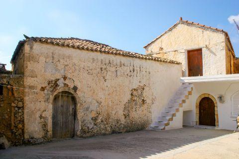 Rodopos: Old building