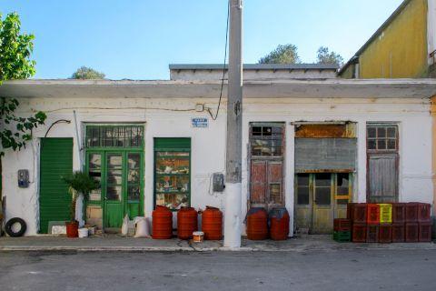 Kandanos: Old shops