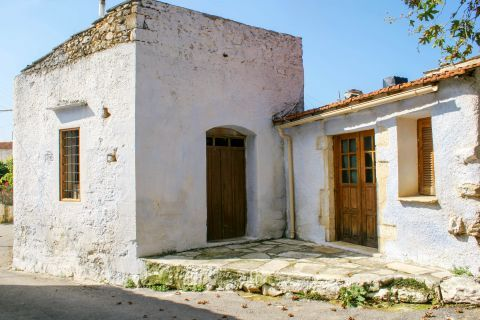 Gavalochori: An old house