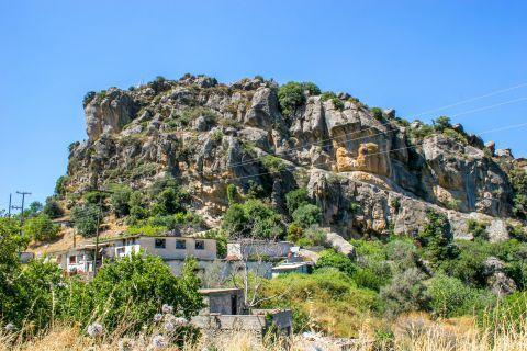 Kalamafka: An impressive, wild landscape with steep cliffs.