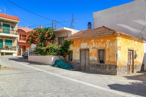 Apolakia: Old and modern houses are both spotted in Apolakia village.