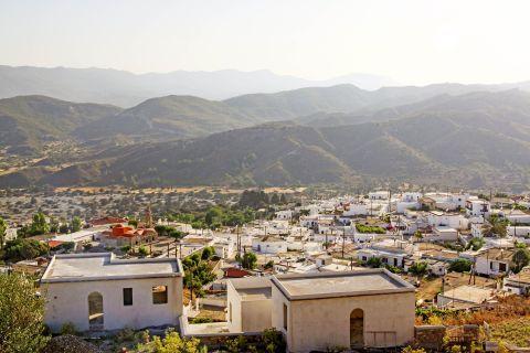 Asklipio: Impressive landscape. Hills and small houses.