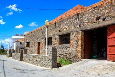 Genadi: An old building.
