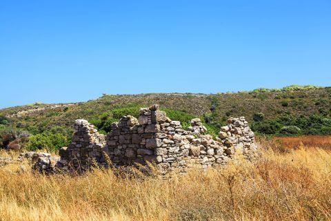 Hohlakas: Stone built, ruined construction.