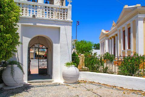 Massari: Impressive architecture and fine aesthetics.