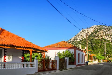 Salakos: Well-maintained houses, overlooking the hills.