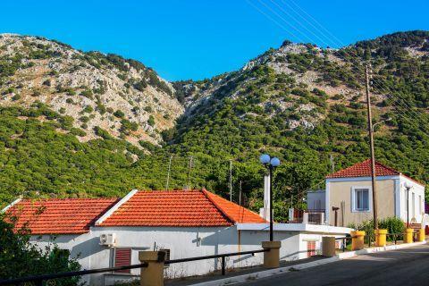 Salakos: Hills with short vegetation.