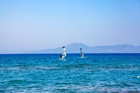 Theologos Beach: Water sport activities on Theologos beach.
