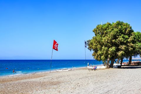 Theologos Beach: A safe and tranquil environment, good for families with children.