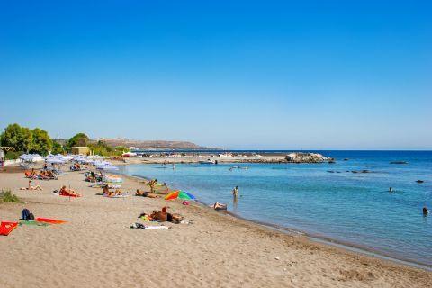 Kathara: Soft sand and blue waters. Kathara beach.