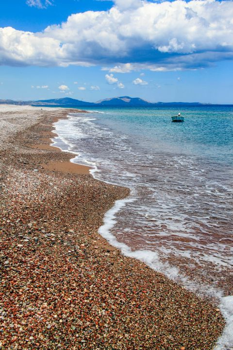 Lachania: Large beach with sandy shore, some soft pebbles and clean water.