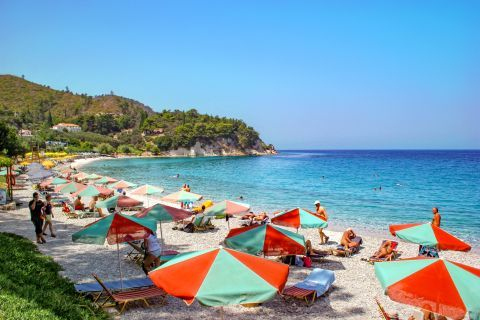 Tsamadou: This wonderful beach is lined up with delicious taverns and some beach cafeterias.