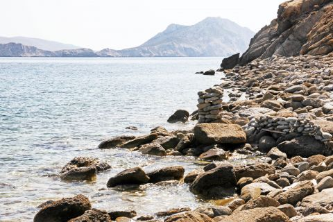 Hohlakas: Rocky spots and clear waters
