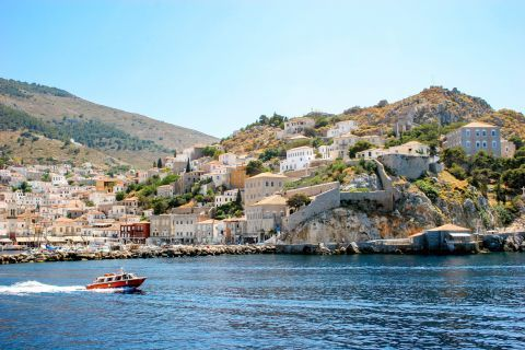 Town: Travelling to Hydra.