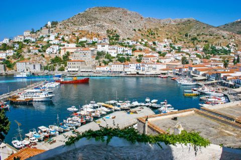 Town: View of the port and the settlement of Chora.
