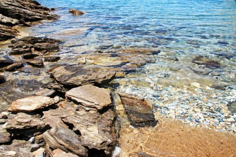 Diamoudia: A rocky spot with crystal clear waters