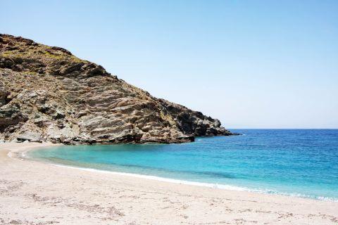 Megali Peza: Megali Peza beach
