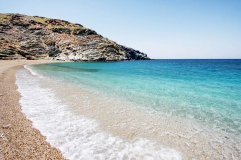Megali Peza: Soft pebbles and clear waters