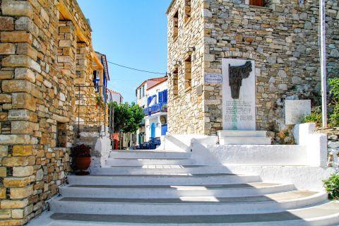 Chora: Ethnikis Antistaseos square.