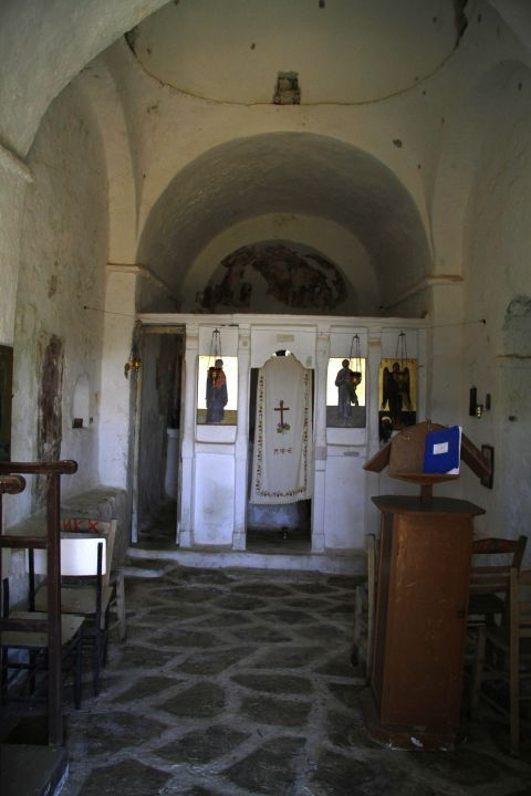 Sifones: Interior of Saint Ioannis of Precursor