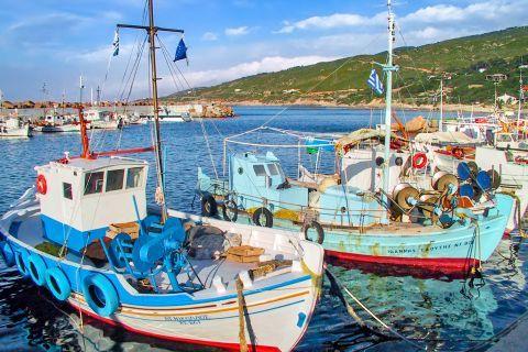 Gialiskari: Gialiskari is one of the oldest fishing villages in Ikaria.